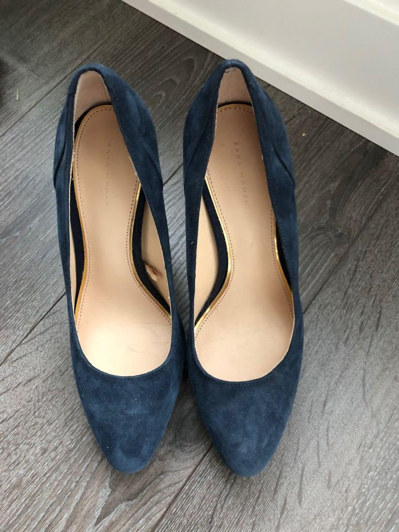 Navy heels from Zara size 6