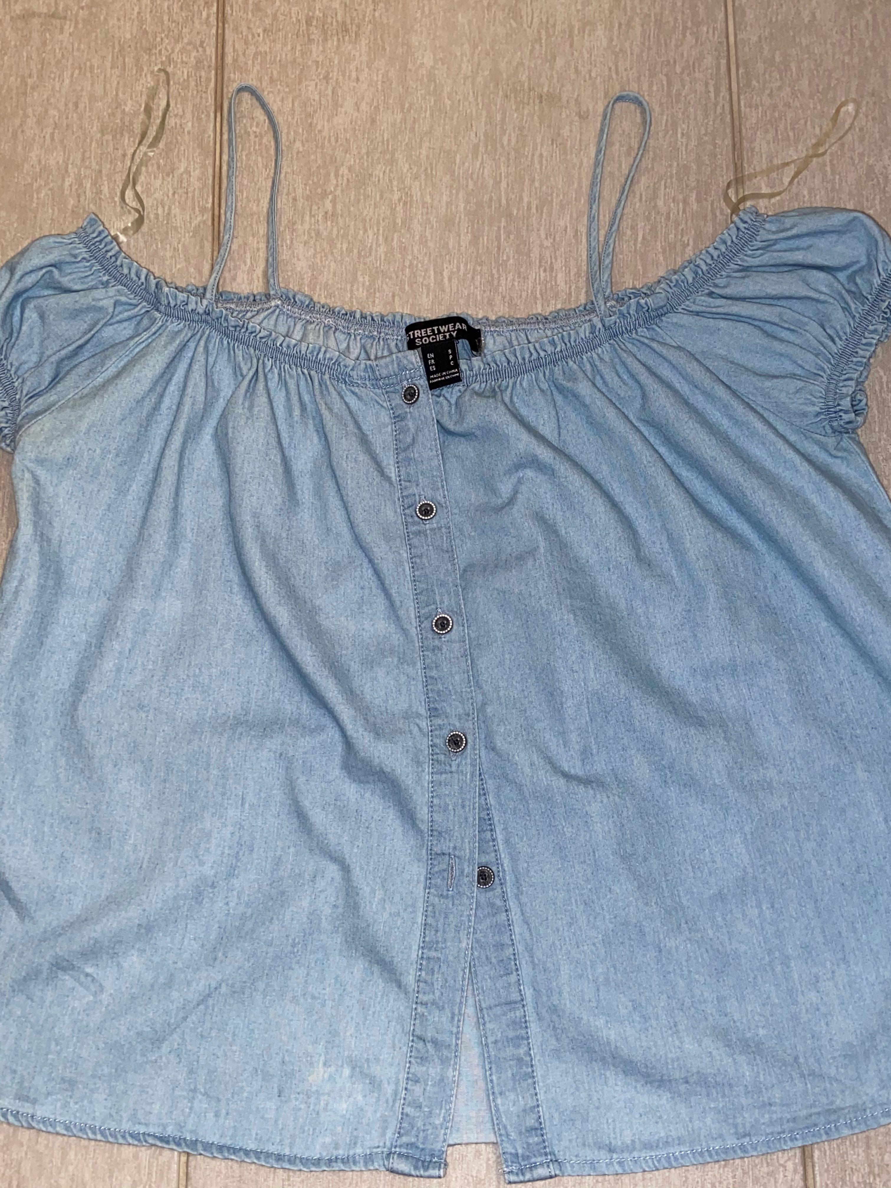 Off shoulder shirt