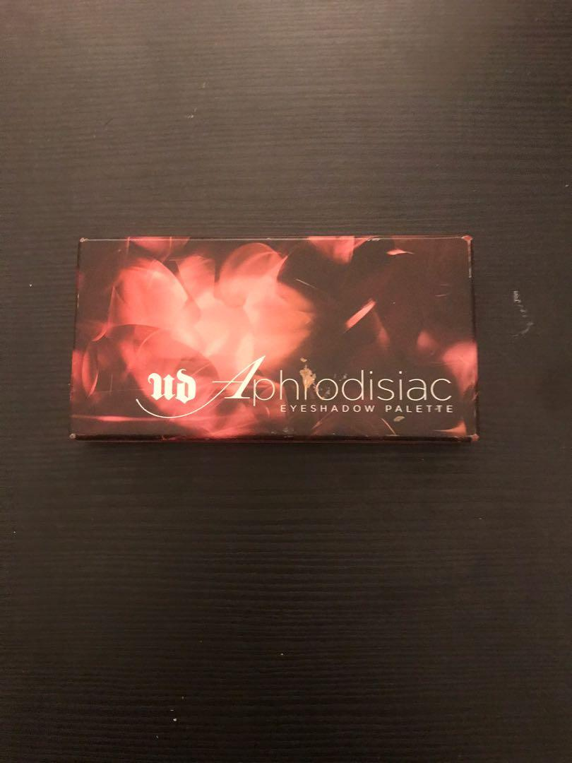 Urban decay aphrodisiac palette limited edition