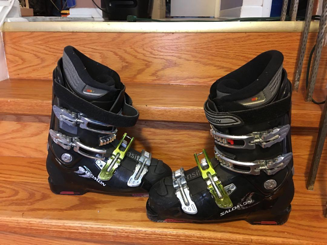 Ski boots , size 305 mm or 26-26.5, mint condition
