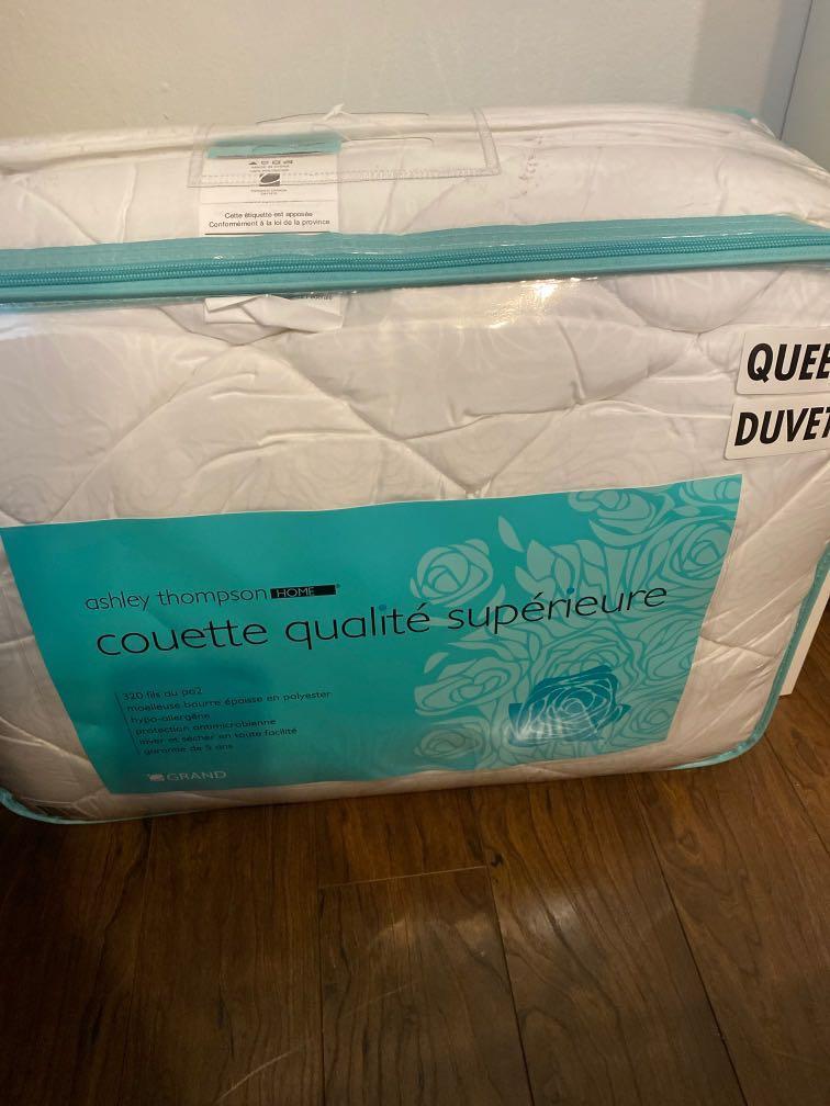 Brand new queen duvet