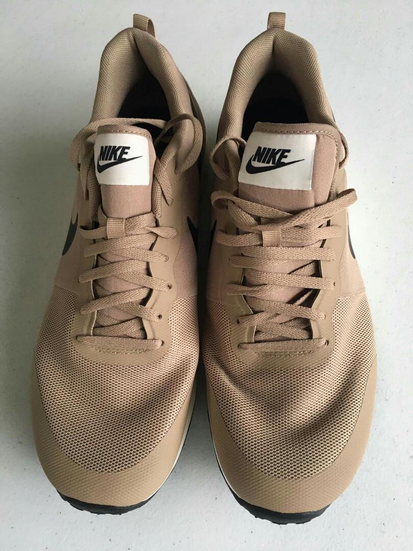 Posesión Fabricación maduro  Nike Elite Shinsen Beige, Men's Fashion, Footwear, Sneakers on Carousell