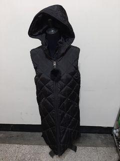 超值 八九成新 ~ 歐洲品牌 G.G.F.Z 黑色 無袖 帶帽 羽絨 長大衣 尺寸: M