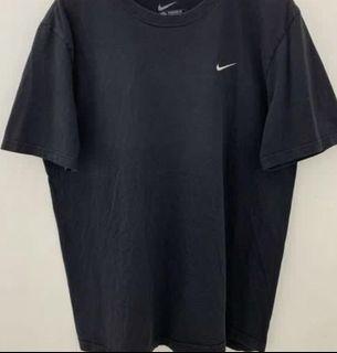 vintage black nike tee shirt