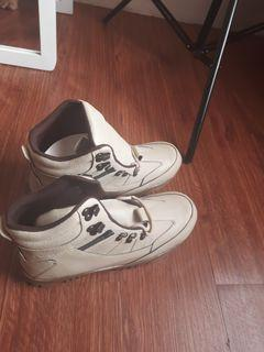 sepatu laki2
