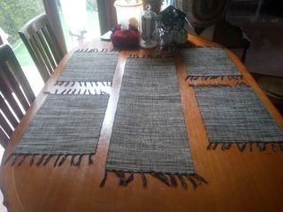 Taplak meja tenun traditional Bahan eceng gondok satu set