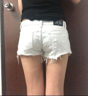 二手白色熱褲(S-M)