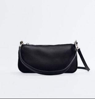 Zara購入緞面肩背斜背包❣️