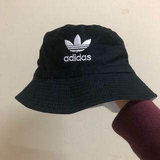 Adidas 漁夫帽 雙色
