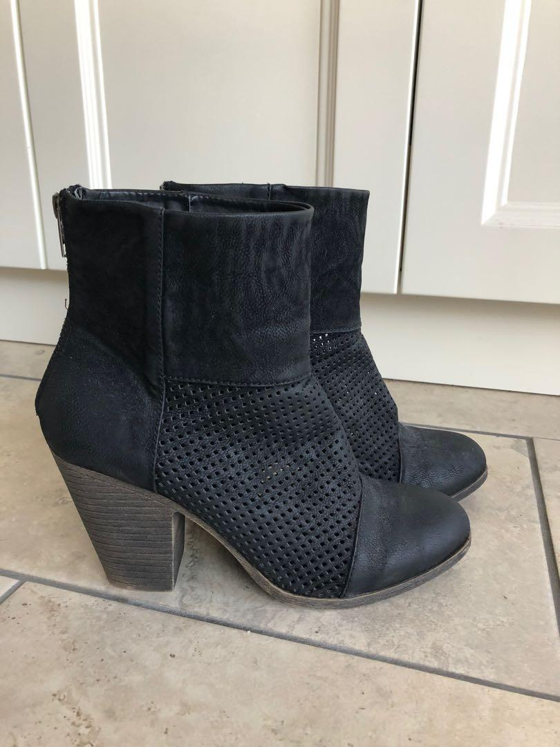 Rampage Perforated Bootie NEW - Size 9.5