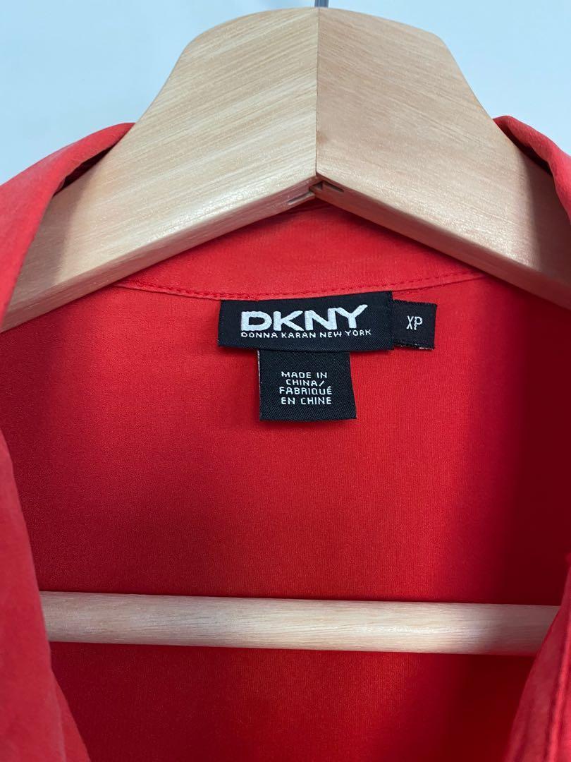 9/10 DKNY shirt.size small