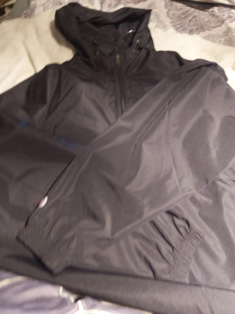 Champion packable solid jacket Large