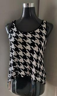 Forever21 houndstooth tank top