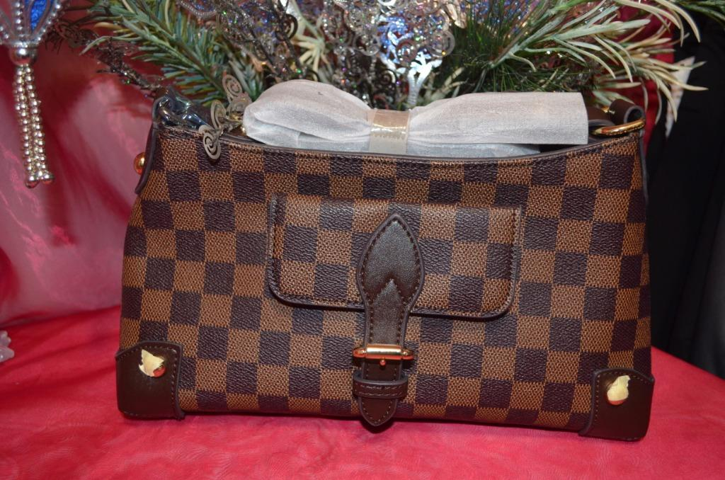 LV Damier Small Purse