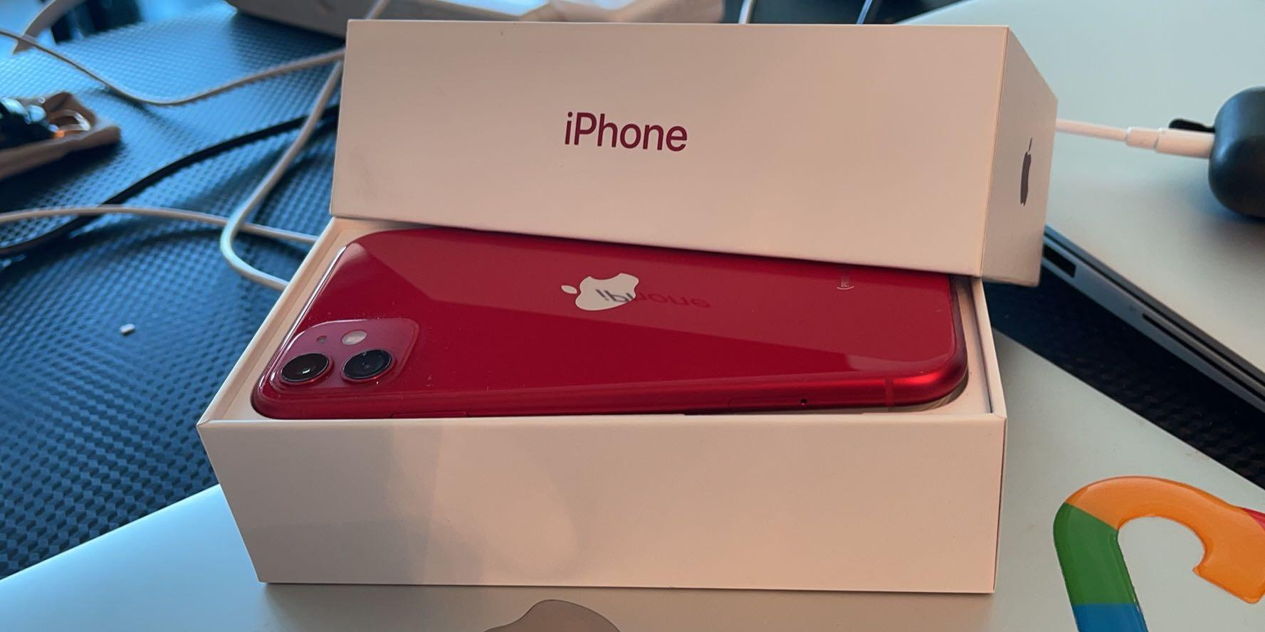 Mint 128GB product red iPhone 11 w/ 2 Cases