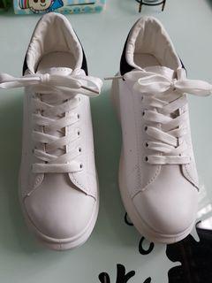 白色內增高休閒鞋-38