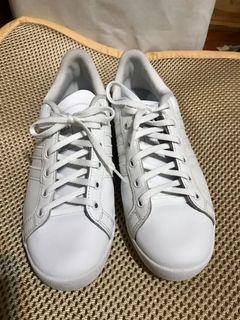二手愛迪達小白鞋Adidas