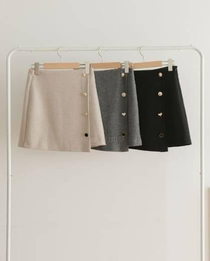 #正韓裙子 商品:可愛扣子短裙