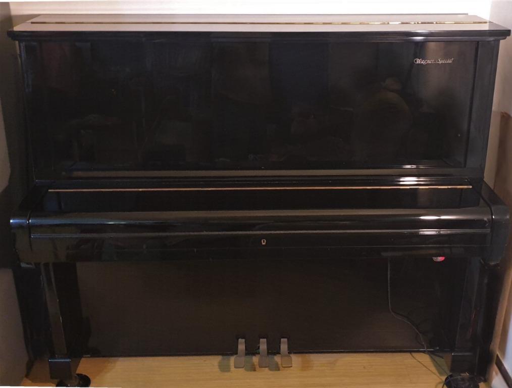 二手直立式鋼琴自售- 外觀良好, 音色優美
