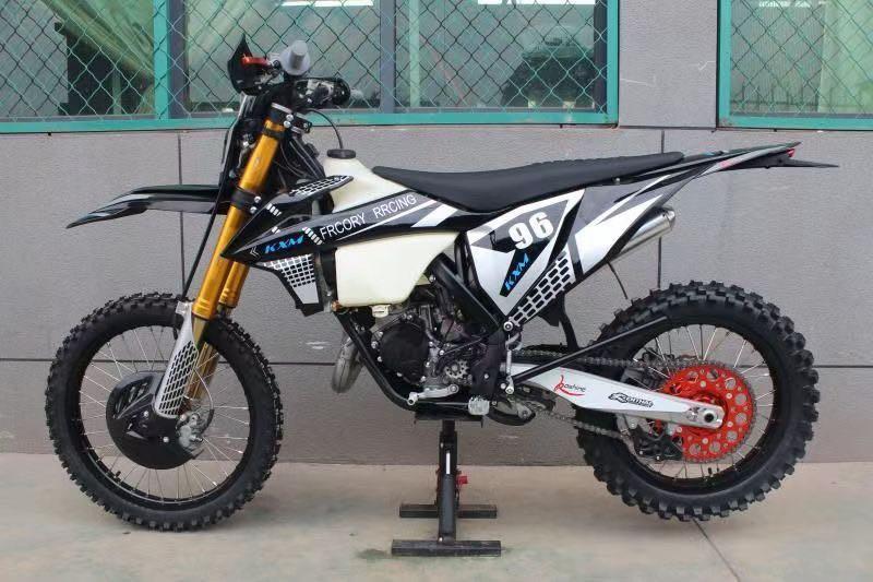 越野摩托車KXM150cc