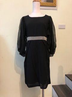 優雅黑洋裝