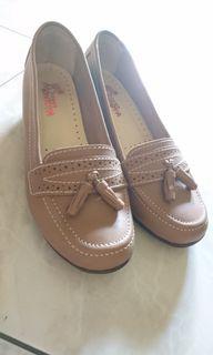 近新)百貨專櫃 Montoya 摩卡焦糖色氣質跟鞋 37