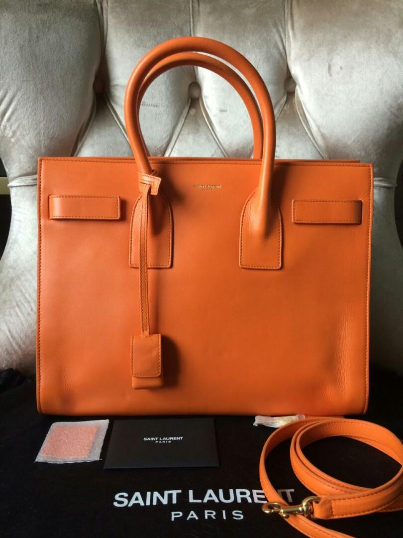 Very Good Condition Saint Laurent SDJ 32cm 2017  with cards, leather swatch, padlock, db
