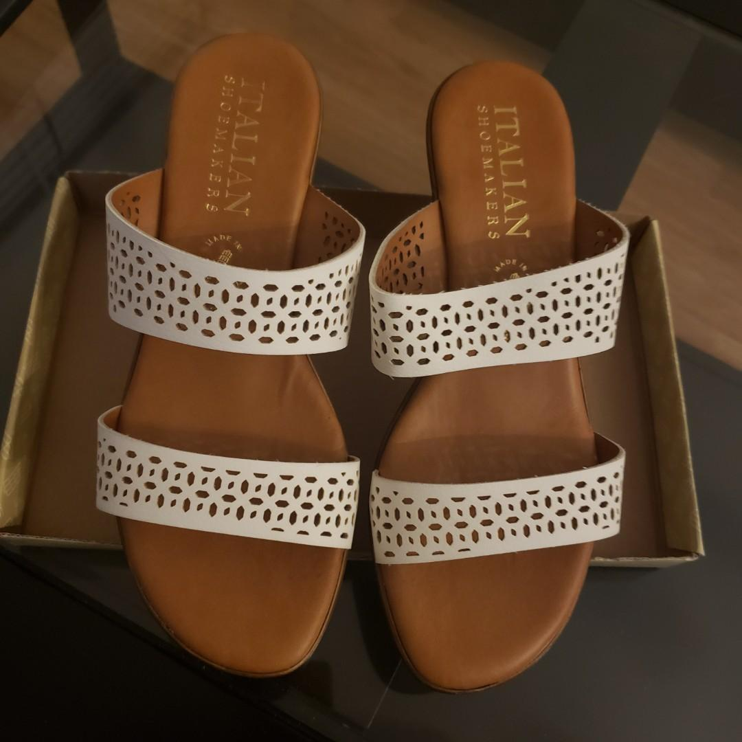 Worn once Italian Shoemakers Elite Wedge Sandals size 8 Ivory
