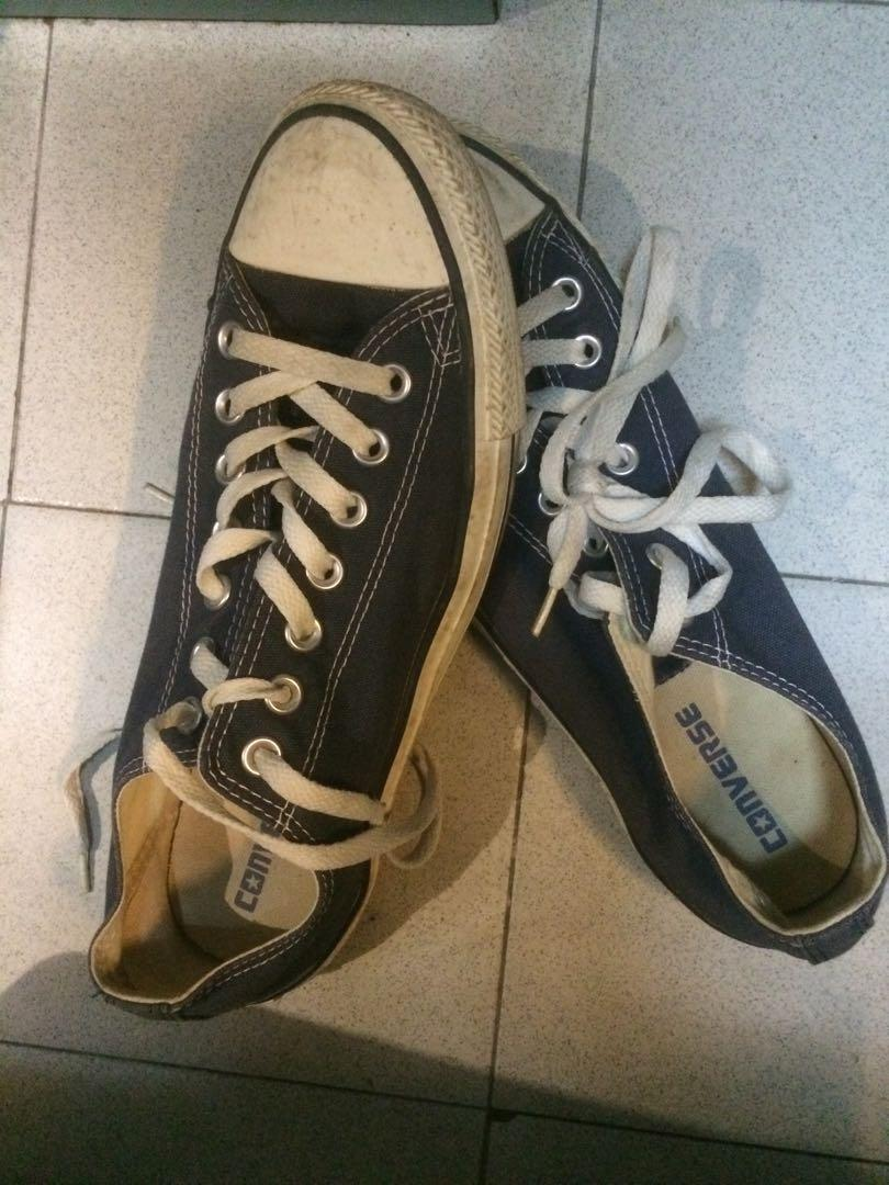 Selling used converse shoes, Men's