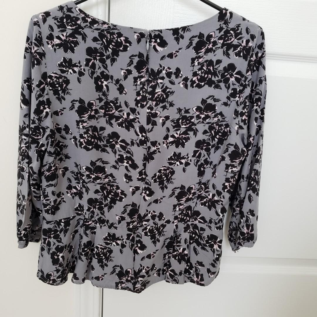 (Size 12) Banana Republic Factory Floral Long Sleeve Blouse