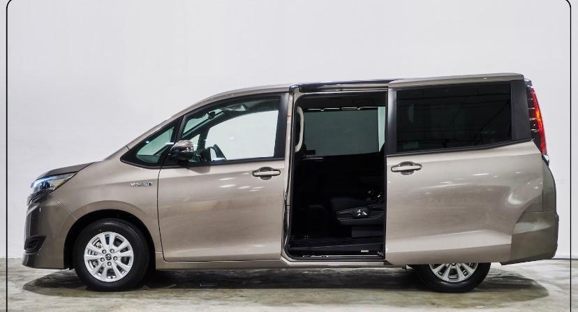 Toyota Noah Hybrid 1.8X Lease & BuyBack! (Brand New)