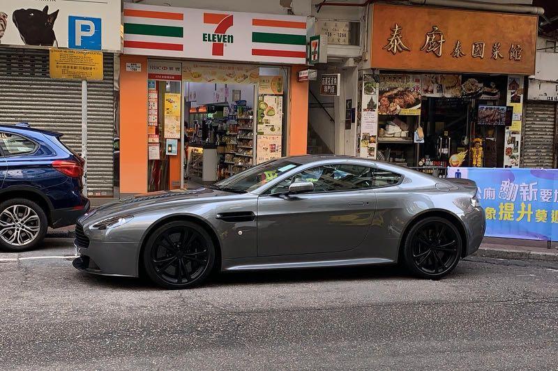 Aston Martin Vantage 6.0 V12 (M)