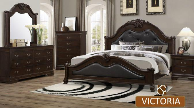Two Tone Oak and Black Leather Bedroom Set For Sale