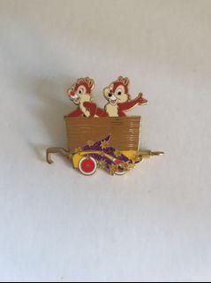 (包郵) Disney pin chip &dale pins 廸士尼徽章 襟章