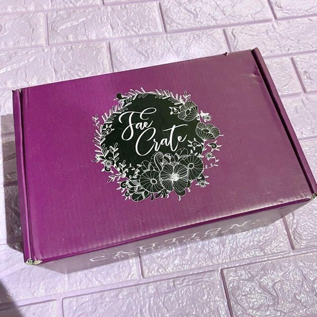Faecrate june 2019 book box subscription whole box the red labyrinth acotar globe sarah j. Maas a court of thorns and roses