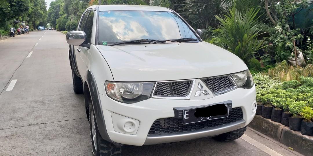 Mitsubishi triton doublecabin 2014 4x4 mt istimewa