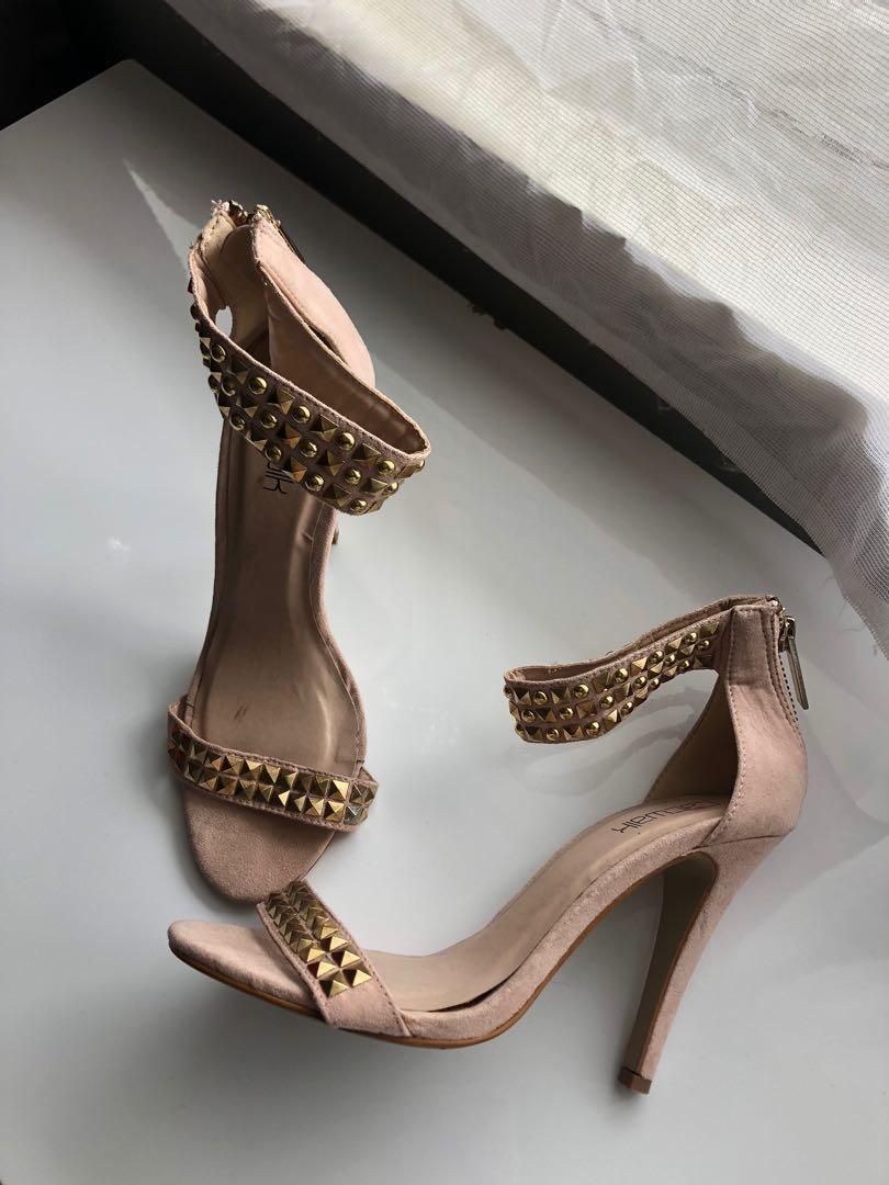 Woman's heels ✨