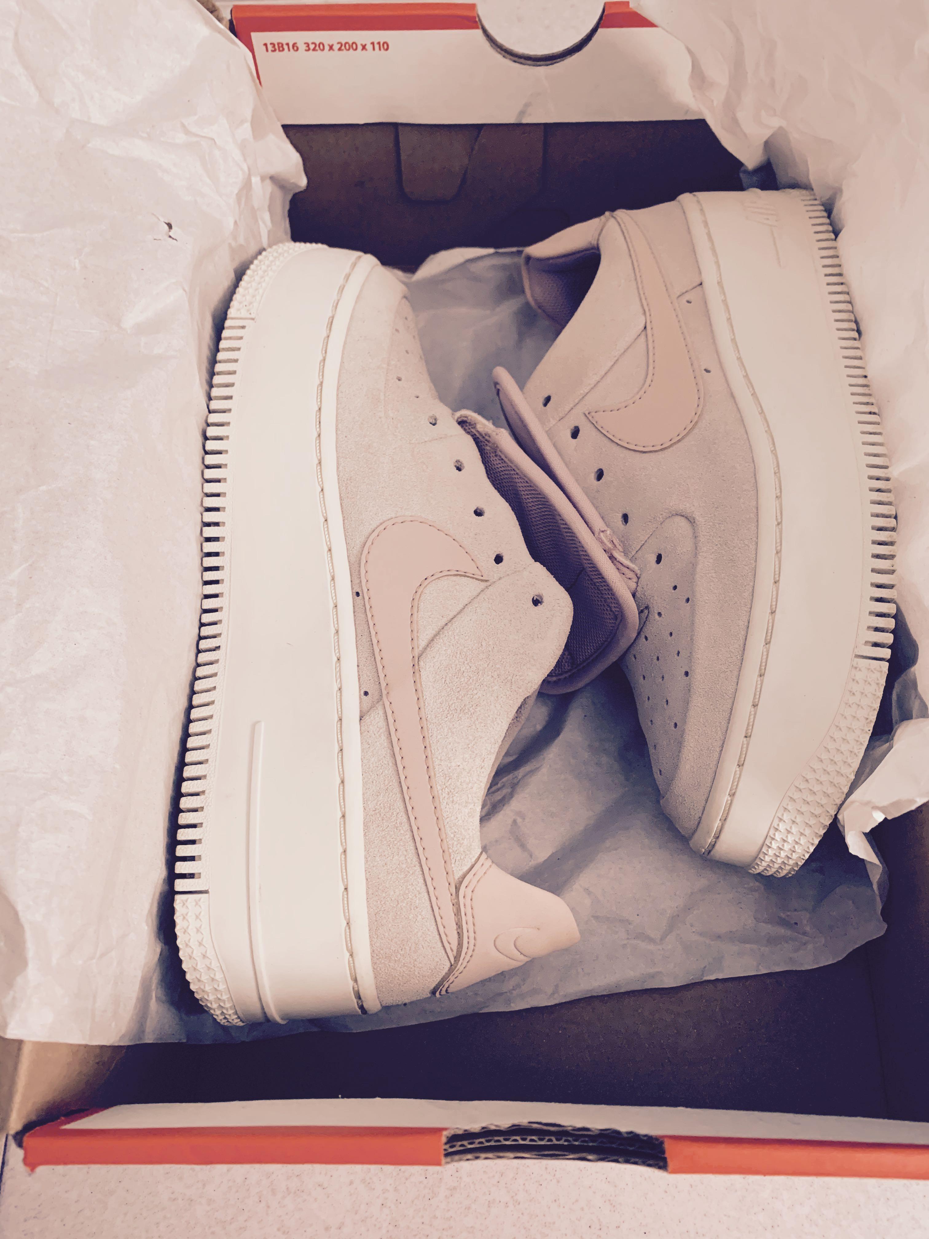 nike air force low beige