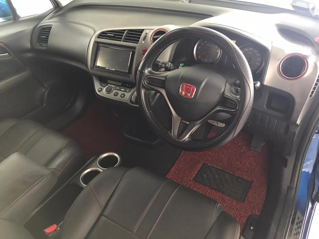 Honda Stream RSZ - 50% Circuit Breaker Promo, while stock last! Contact Megan now at 8818 8998!