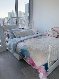 Queen bed white ikea