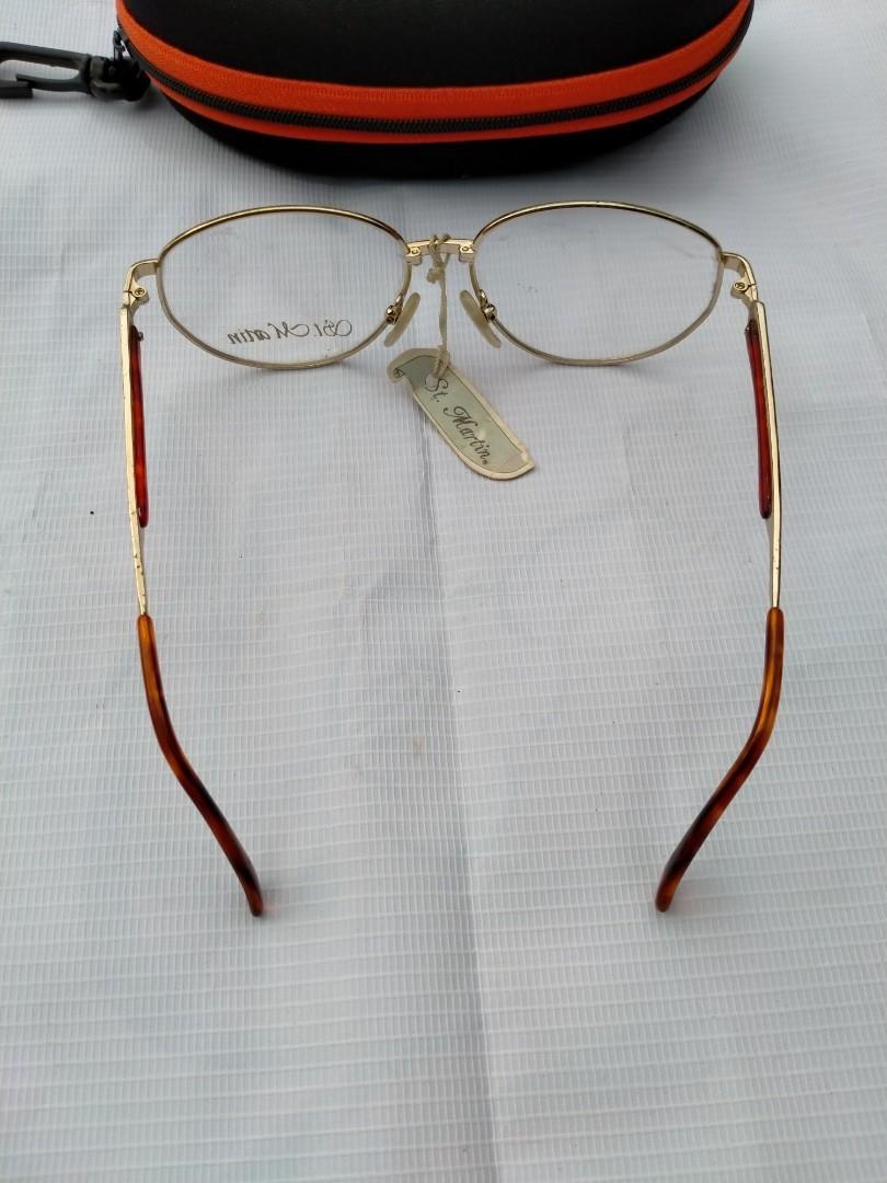 Vintage Sunglasess 70s/John Lennon Vintage Sunglasses Brand: ST. MARTIN Made in Italy Size: 54-16 Frame gold (besi kuningan)