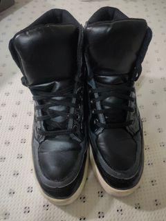 全新高底鞋 #我愛地球