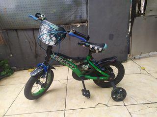 Sepeda anak Giant 12 inch roda empat bantu bukan polygon