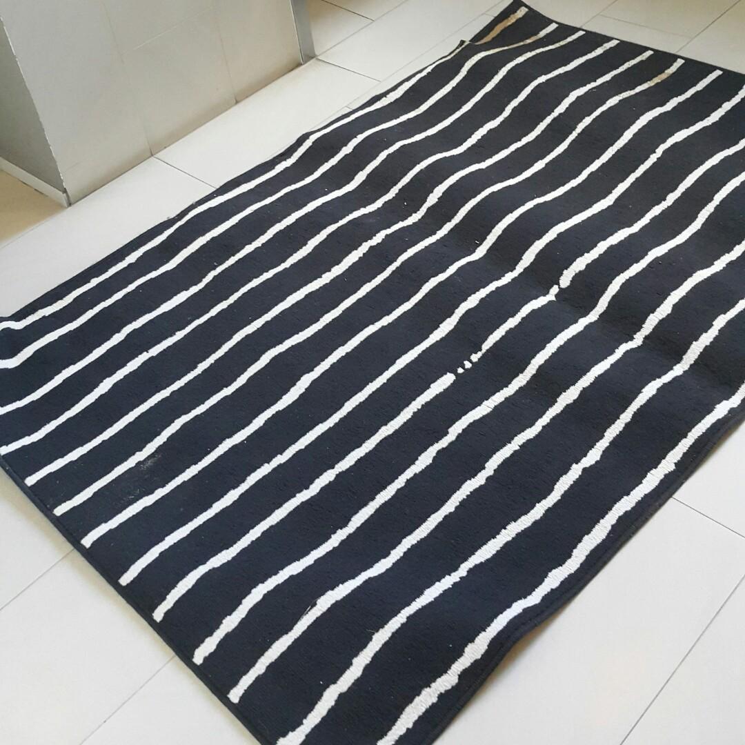 Black White Stripe Carpet Rug