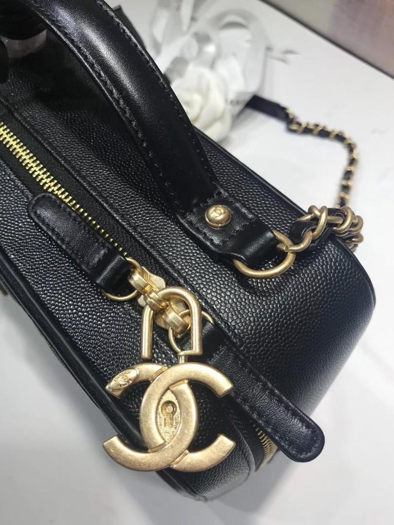 CHANEL2020 LUXURY PREMIUM QUALITY, Large ❤️ Style number: 93343 cosmetic bag size 25cm unique design concept three-dimensional logo original caviar cowhide wear thick pure steel light yarn gold lock and key separate two pendants greatly