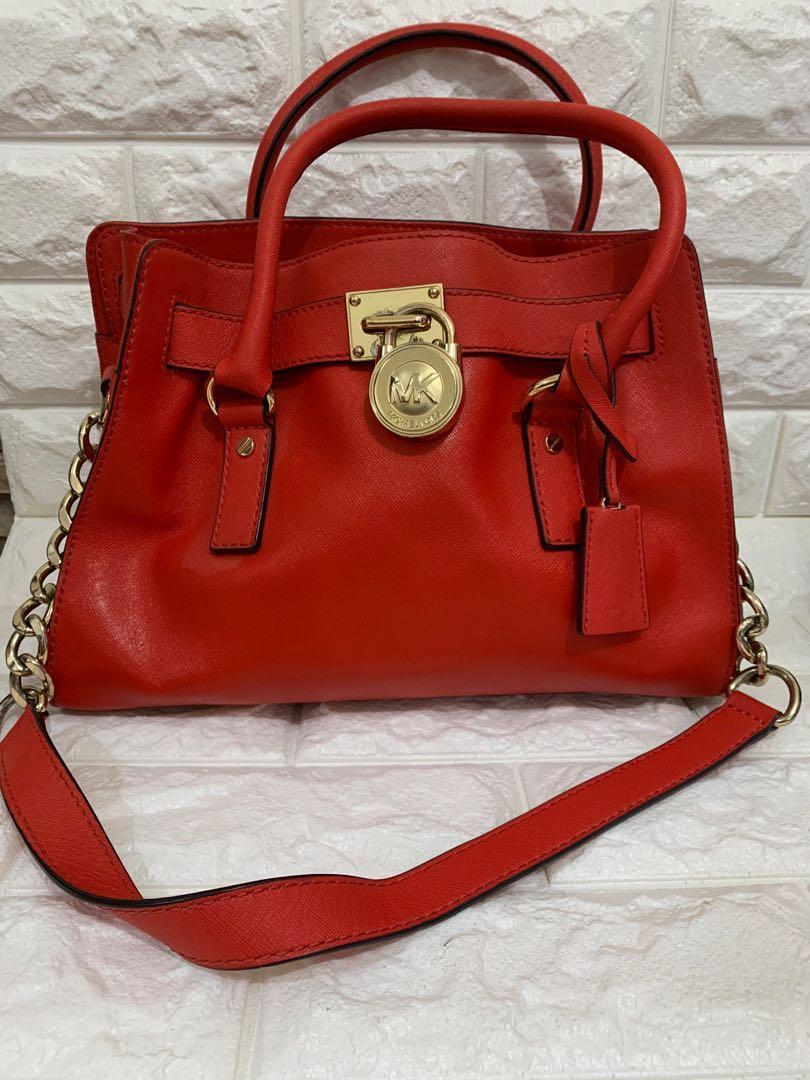 Michael Kors , auth, full leather, size 32 x 22 x 12 cm, kondisi 90% gresss, jinjing ok, slempng mantab, serius aja!!beli hampir 4 juta! bag only!thx