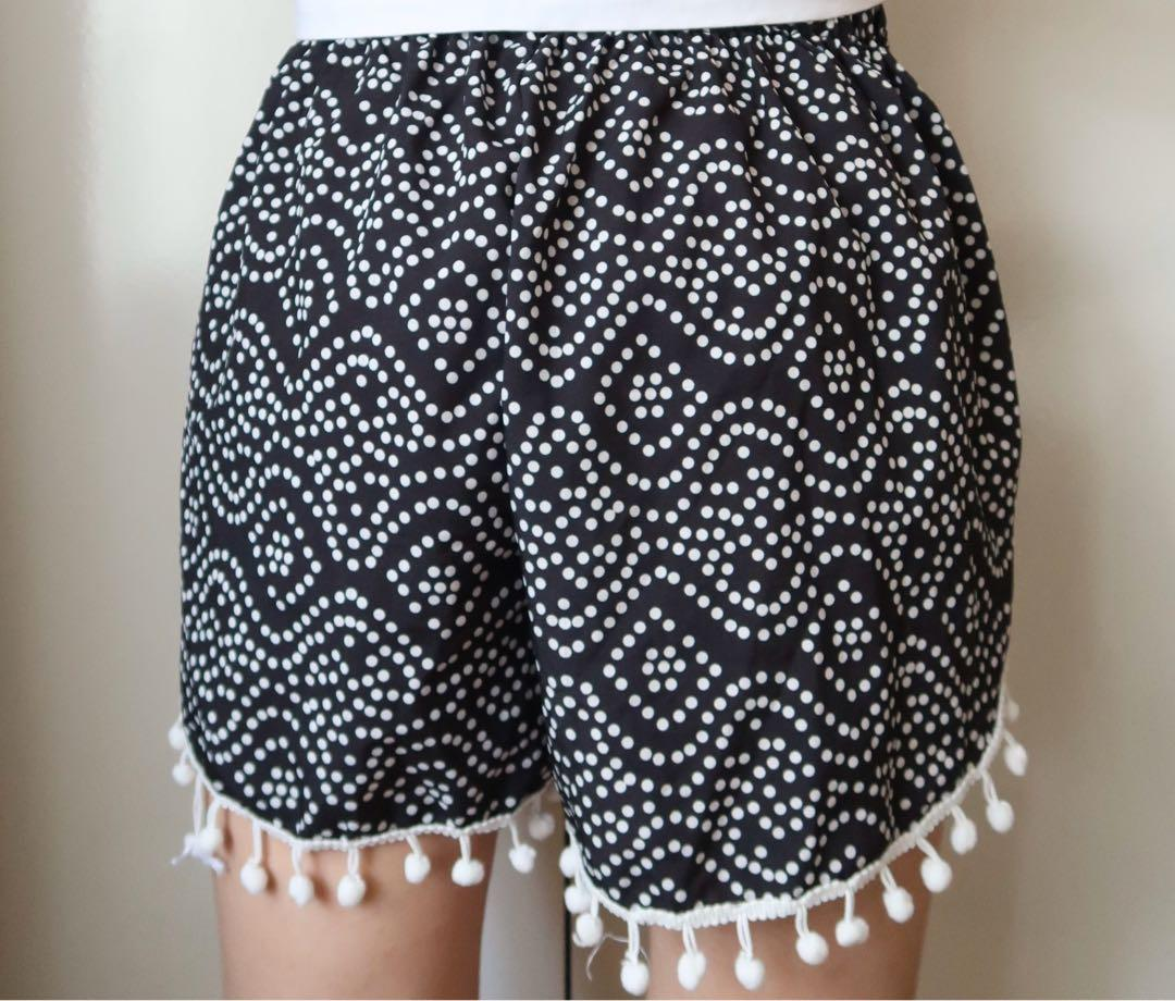 Patterned polka dot flowy shorts