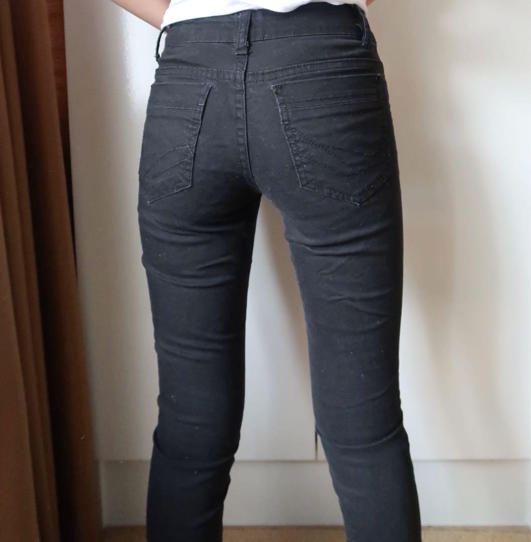 Size 4: black skinny jeans