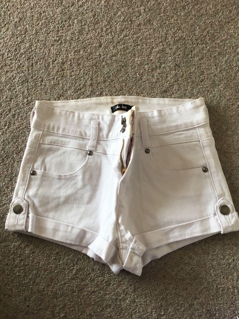 Size 8: white denim shorts