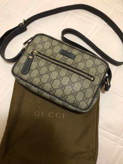 Gucci防水斜背包-保證真品